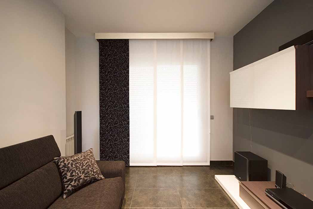 Cortinas panel japon s instalaci n en castell n y for Cortinas en comedor
